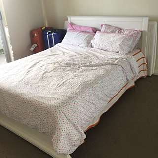 Queens Bed Frame And Mattress