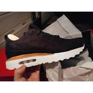 Nike Air Max 1 Royal Black