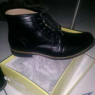 Bata Dmon Boots Formal Black Leather Kondisi 99%
