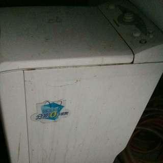 洗衣機唐姆生滾桶洗衣機