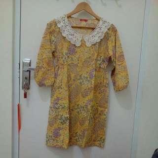 Vintage Dress - Graphis