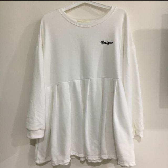 (全新)白色傘狀上衣(洋裝)