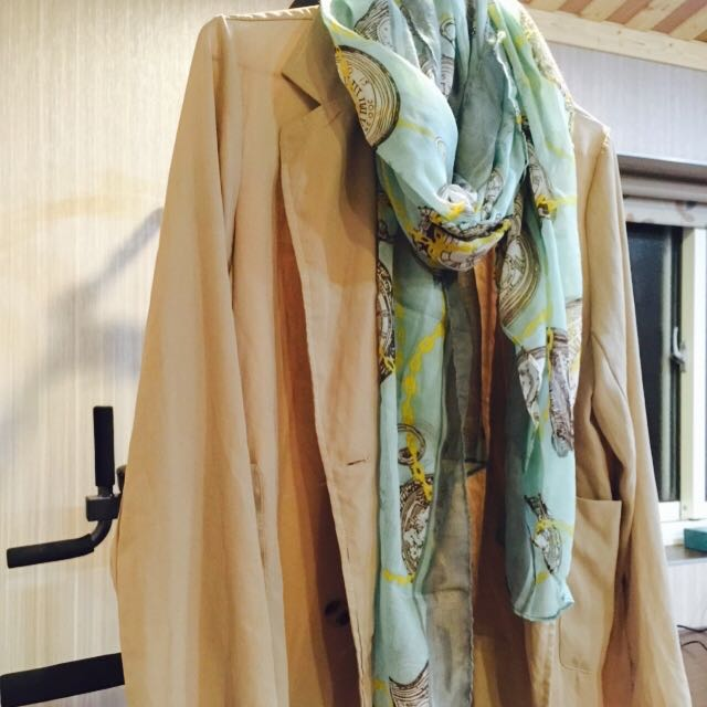 外套+絲巾