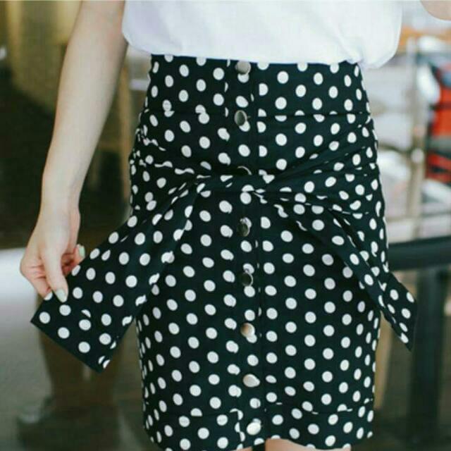 全新有吊牌 轉賣東京著衣 點點高腰排釦腰綁窄裙(3人追蹤 考慮就沒了)