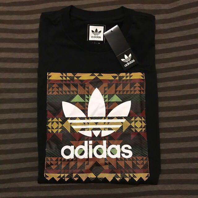 全新Adidas短T