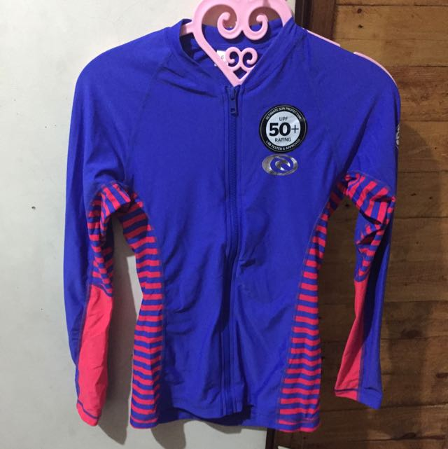New Authentic RipCurl Rashguard (size 6)