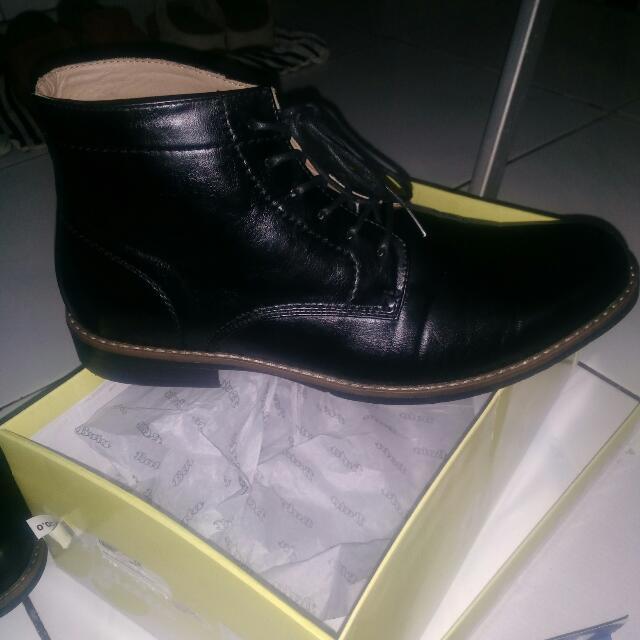 Bata Dmon Boots Formal Black Leather Kondisi 99%