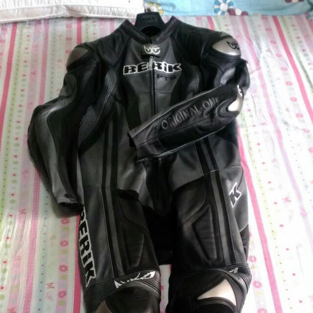 BERIK鈦金屬連身皮衣Titanium黑54號 重機 防摔衣