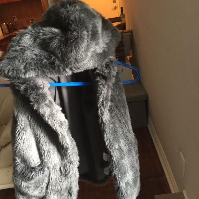 Faux fur vest - Zara