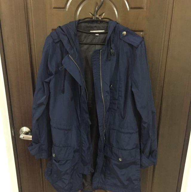 Gap 深藍防潑水材質外套