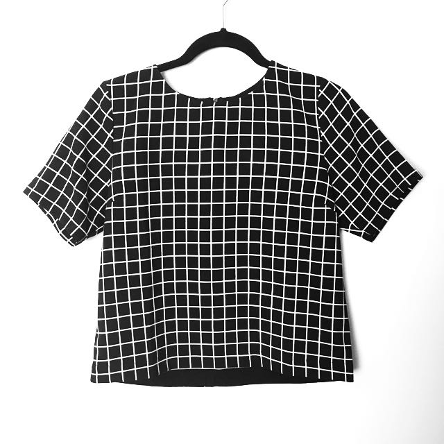 Grid Checkered Fitted Short Sleeve Top