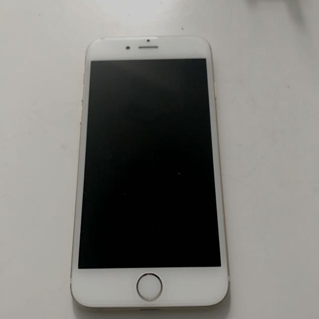 iPhone 6 Gold 64GB (Excellent Condition)