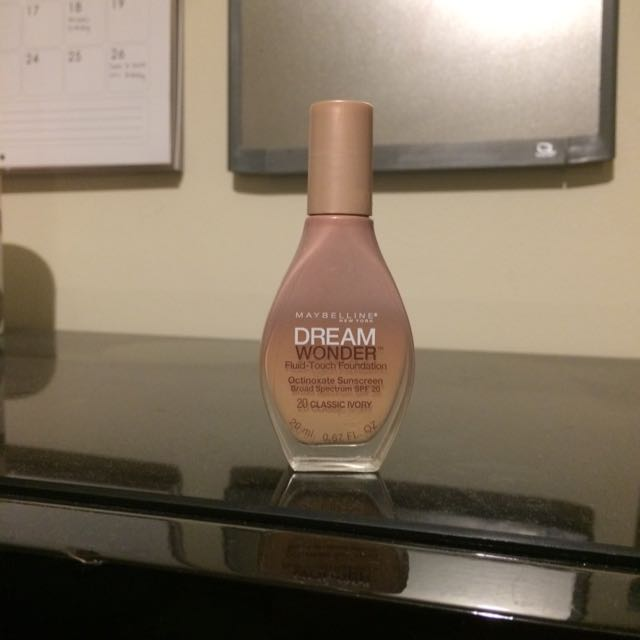 Maybelline Dream Wonder shade 20 Classic Ivory
