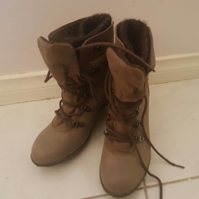 Novo Womens Size 38 Boots