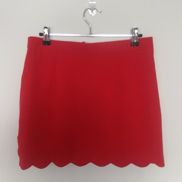 Red Scalloped Hem Skirt Size 6