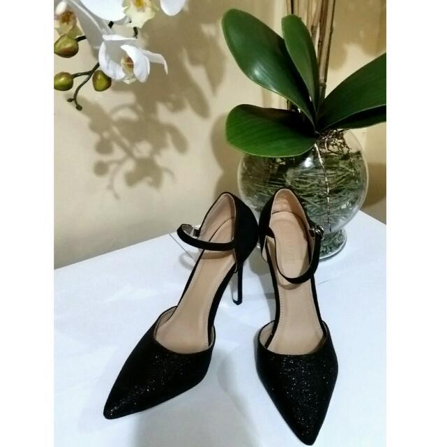SM Parisian Black Heels, Women's