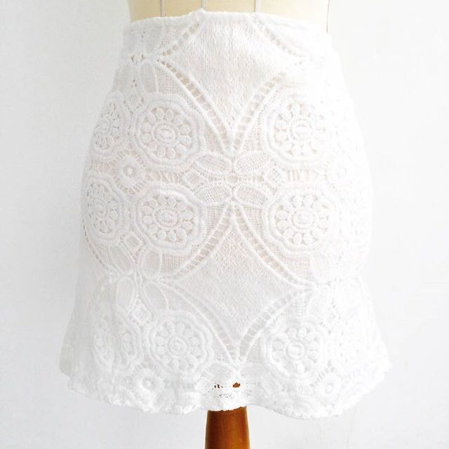 VALERIE LACE SKIRT