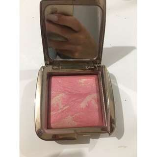 Hourglass blush- Luminous Flush