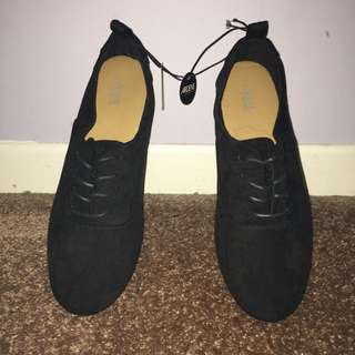 Arden Flat Shoes