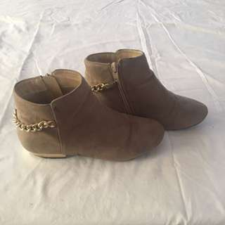 Betts Kids - Tan And Gold Boots - Size 3