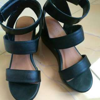 Rubi Straps Wedges Black (Preloved Like New)