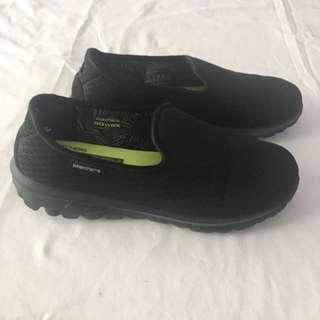 Skechers Go Walk Blend - Size 5