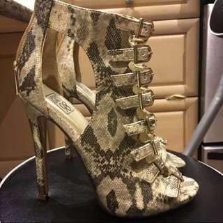 BRAND NEW Size 6 Strappy Alligator Heels