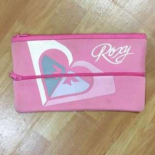 Roxy Clutch