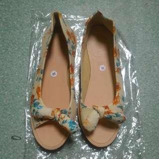 Sepatu Spon