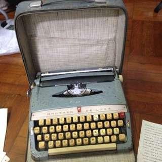 Brother De Luxe打字機