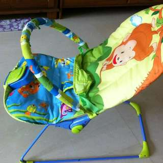 FOR SALE BABY BOUNCER GOOD CONDITION