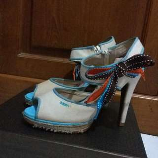 Barter Yukk! Stiletto Gosh