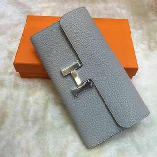 Constance wallet Togo Pearl grey *Instock *