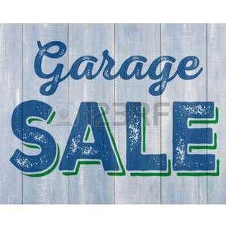 Garage Sale @ Sembawang!! Selling TV console, King-Size Bed Frame, 1 Feet Fish tank (plug & play)