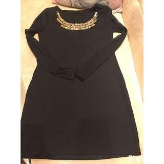 黑色透紗金色寶石洋裝連身裙