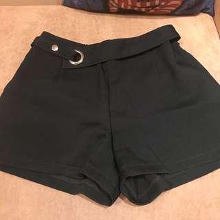 墨綠色 西裝短褲