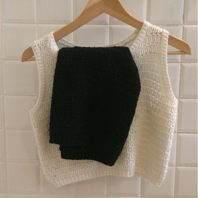 2 black and white knitted shirt singlet