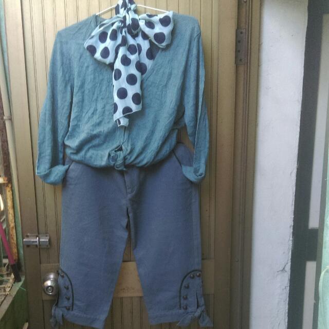 針織開襟上衣。藏藍色。棉質提花8分褲約28-29腰。二手,穿到約四次左右,褲子因是棉質 有整燙痕跡。含運。