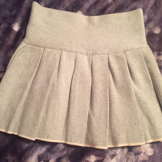 Aritzia - Wilfred Free Skirt