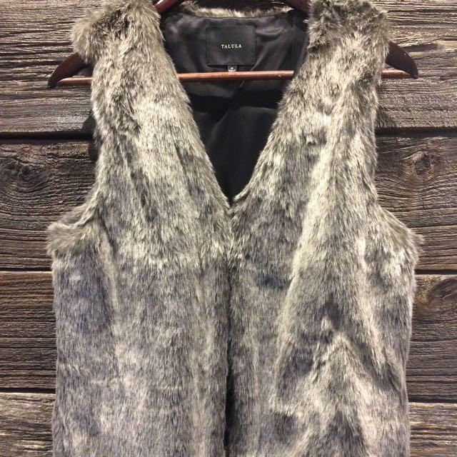 Aritzia Talula Faux Fur Vest