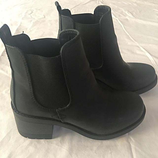 Betts - Black Boots - Size 5