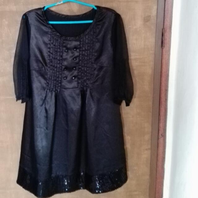 Black Long Top With Sequined Hem
