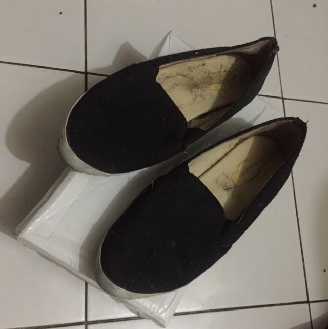 black slip on local brand