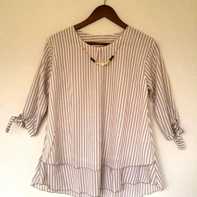 Blouse Stripe Creamy
