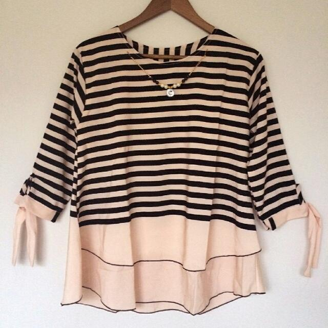Blouse Stripe Hitam