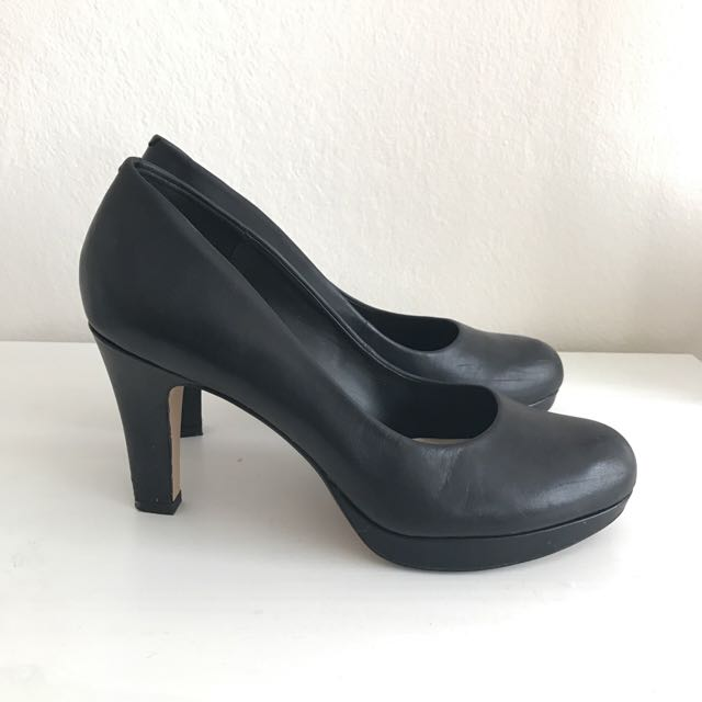 CLARKE Black Leather Heels With Cushion Sole