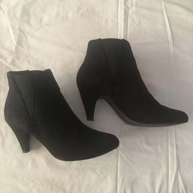 Court Couture Boots - Size 6