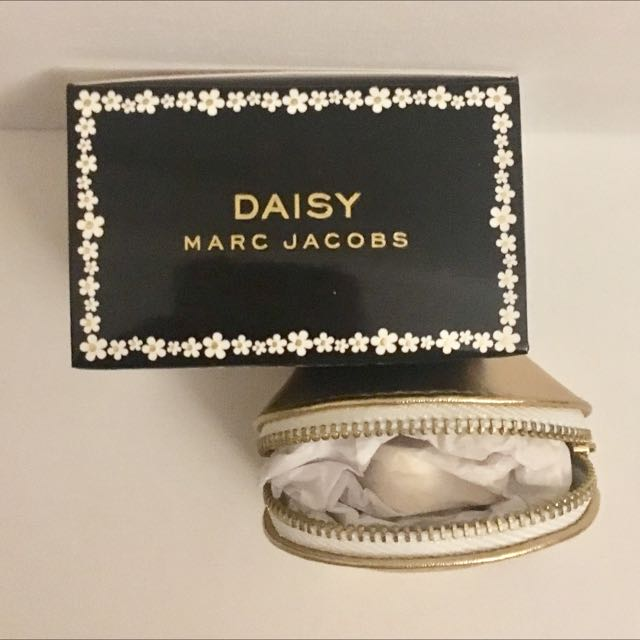 Daisy Marc Jacobs Solid Perfume Pendant/ Necklace