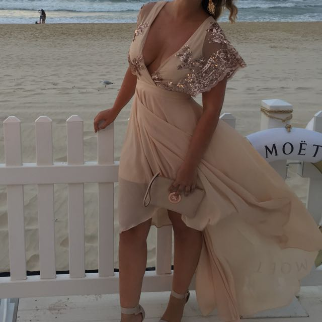 Detailed Semi-formal Dress