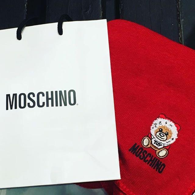 Moschino紅色圍巾/披肩